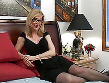 MILF in glasses Cathy Heaven seduces doc Braun and gets her ass screwed № 1215382 без смс