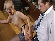 ispolnitelniy-sekretar-porno