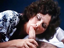 Linda Lovelace,  Harry Reems In 70S Porn Brunette Gives Deep Blow