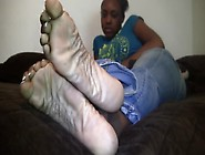 Mature And Ratchet Looking Feet On A Hood Chick