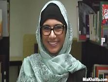 Discover Mia Khalifa Body