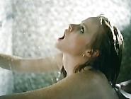 Lisa De Leeuw In The Shower