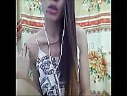 Hot Filipina Ladyboy Playing On Cam