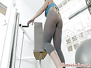 Hugetits Milf Footworshiped In The Gym