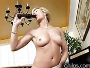 Mature Housewife Fucks Vibrating Sextoy