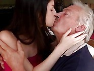 Old Mom Horny Senior Bruce Catches Sight Of A Lovely Gal Sitting