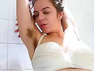 Juive Poilue Sous La Douche - Natural Hairy Jewish Slut