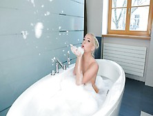 Platinum Blonde Kiara Lord Seduces You In The Bath