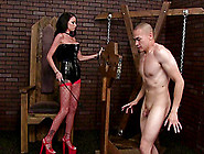 Two Men Fucks This Hot Lady Really Well