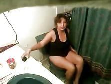 Espiando A Esposa En El Sanitario Masturbarse