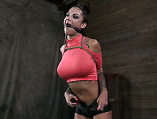 Stunning Brunette Babe Bonnie Rotten Is Experienced Enough