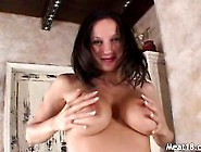 Horny Brunette Give A Cock A Nice Treatment