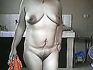 Filipina Mom Exposes Her Nude Body During A Private Show