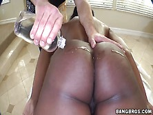 Nyomi Banxxx Is Unexpectedly Squeezed