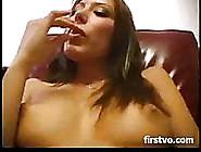 Teen Latina Fingers Big Lipped Pussy