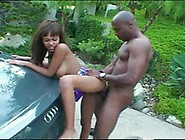 Hot Ebony Babe Gets Picked Up