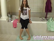 Lelu Love-Pee Desperation In Leggings
