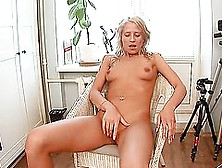 Long Legged Betsy Toys Her Ass And Shows Her Muff