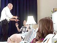 Riley Reid & Johnny Sins In Mi Esposa La Come-Policias - Brazzer