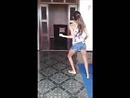 Espectacular Baile De Chiquilla Latina.