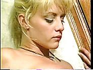 Sindee Coxx Sex In Cramped Bathroom