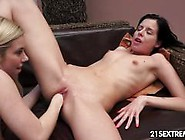 Katrin Wolf Gets Her Warm Pussy Fisted