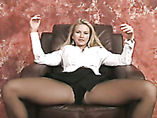 Dirty-Minded White Blonde Milf In Pantyhose Stripteased On Webca