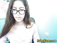 Sweetcams - Hot Nerdy Teen Babe Play Her Pussy