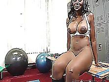 Nyomi Banxxx L!v3 Gym