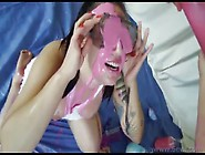 Curvy Lesbians Getting Messy Swapping Slimy Spit Video