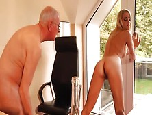 Pleasing Golden-Haired Teen Slut Christen Courtney Getting An Am
