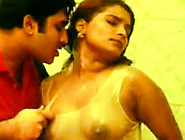 Mallu,  Tamil Sexy Actress Kumtaj Bathing