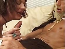 Cameriera Sexy E Biondo A Cazzo Duro