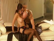 Hottie In Stockings Layla Rivera Enjoys Taking Cumshot Shower