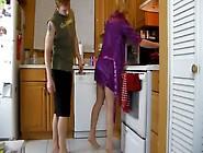 Pegando A Gostosa De Jeito Na Cozinha