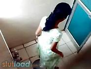Indian Girls Pissing In Toilet - Slutload. Com. Flv