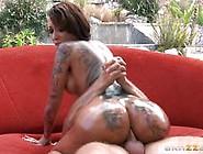 Bella Bellz Shows Her Sexy Tattooed Body As She Fucks