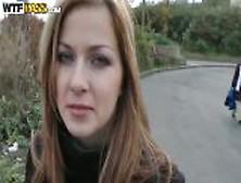 Abigaile Johnson・・チェコの金髪美少女・・街外れの藪の中で人目を気にしながらSex