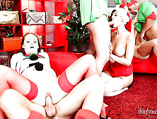 Denisa Heaven Gets Down On Her Knees To Gives Head To Handsome G