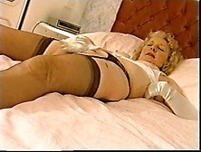 Old Lady In Nylons And Gloves Masturbating