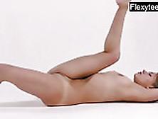 Kira Zukerman The Incredible Gymnast