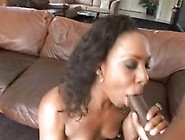 Miss Platinum Acquires Her Mouth Dribbling Spicy With Muddy Piss