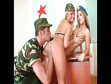seks-v-russkoy-armii-video