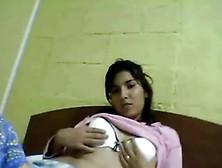 :: Chilenita Peluda En Cam ::
