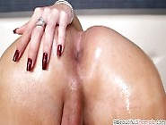 Gorgeous And Sexy Shemale Jennifer Satine Jacking Off Well