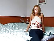 Italian Milf Offers Sex In A Hotel