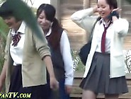 Japanese Schoolgirls Pee