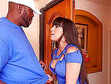 Gorgeous Mercedes Carrera Gladly Impales Her Hole On The Dark Me