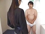 27 Japanese Mom Helps Young Boy