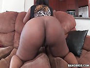 Huge Black Ass Jiggles And Bounces
